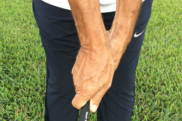 How To Grip A Golf Club Properly: The Right Way